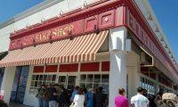 Carlo's Bakeryが2月4日にフリスコにオープンする