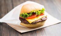 Costco 、フードコートのメニューに新しくチーズバーガーが登場するようになるかもしれない